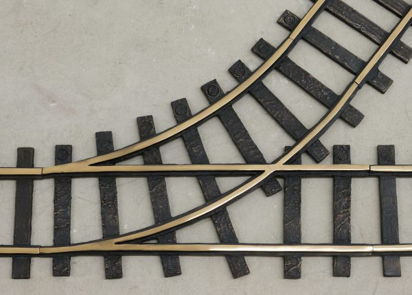 Marina Pinsky, 'Train tracks' (detail) 2018, polished and patinated bronze. Courtesy the artist and Gluck50